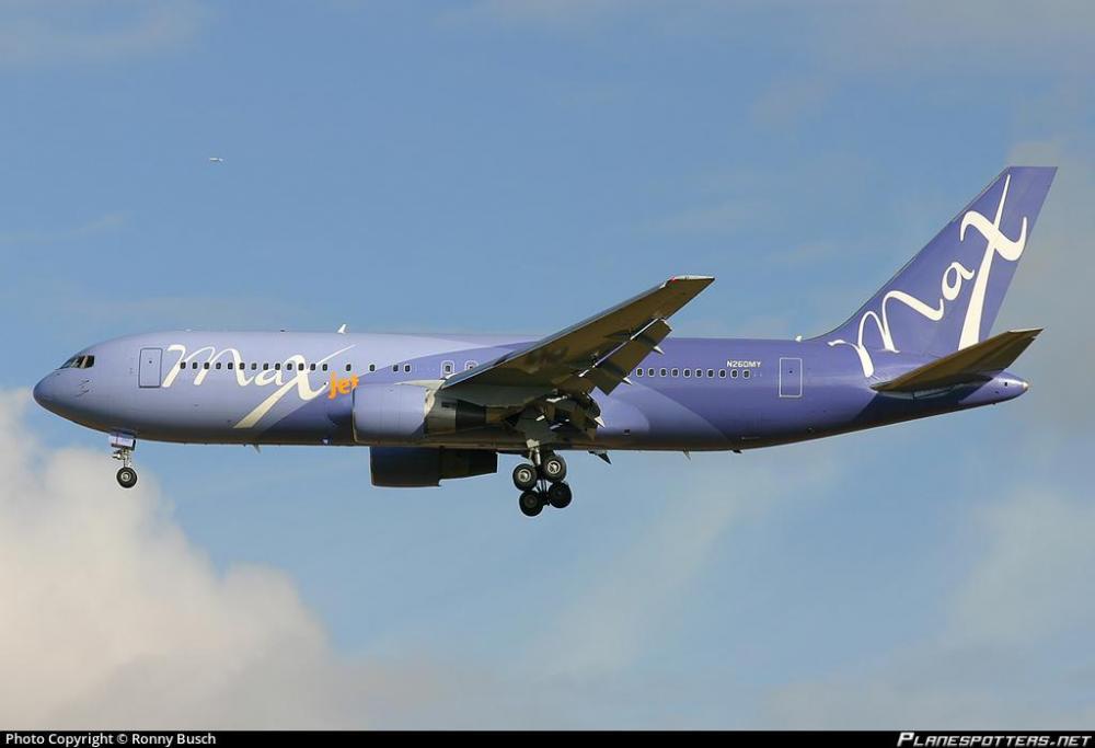 n260my-maxjet-boeing-767-205_PlanespottersNet_154845_4b39a3f7d8.jpg