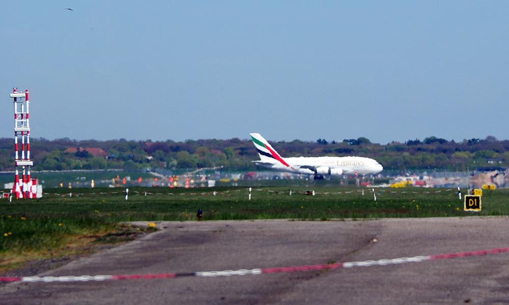 07_UAE59_DXB_A380_3.jpg.96b5f863f4e2b1a13395e32863508a7d.jpg