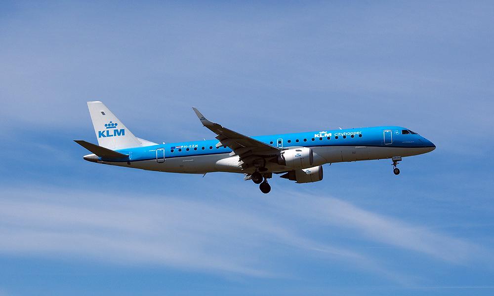 14_KLM1781_AMS_E190.jpg.175e44cbce9482bd57b40357867c8dc8.jpg