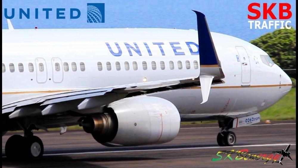 United  737-800 Split Scimitar .jpg
