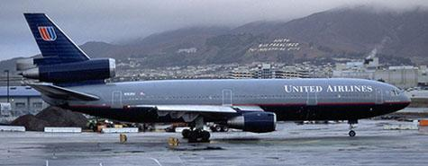 United Airlines Retro DC10 04.jpg