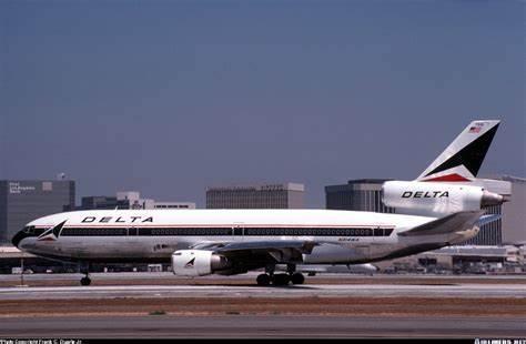 Delta Retro DC-10 01.jpg