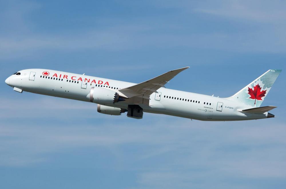 Air Canada Boeing 787-9 02.jpg
